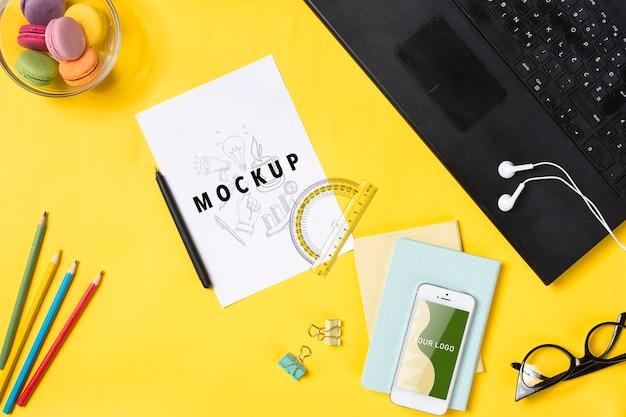Tagesordnung und werkzeuge, zum auf schreibtischkonzept zu schreiben Kostenlosen PSD