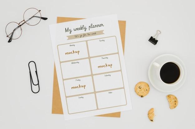 Top view briefpapier modell mit kaffee Kostenlosen PSD