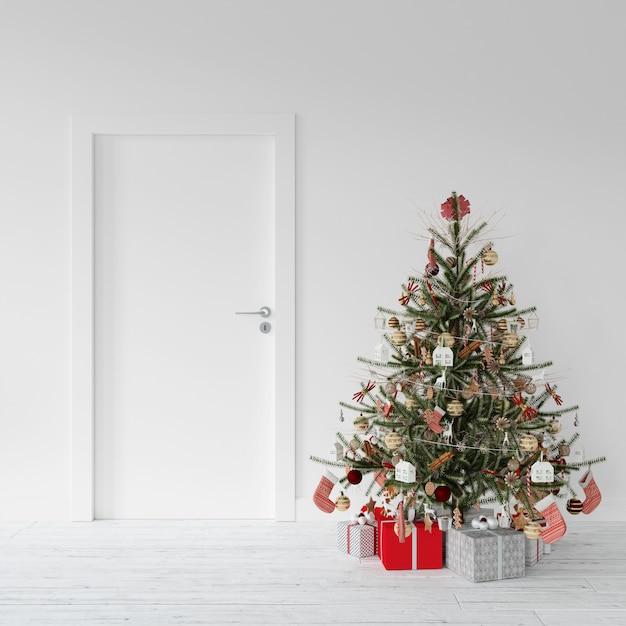 Verzierter weihnachtsbaum und geschenke durch eine tür Kostenlosen PSD