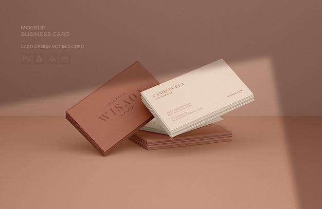 Visitenkartenstapel-modell mit schattenüberlagerung Premium PSD