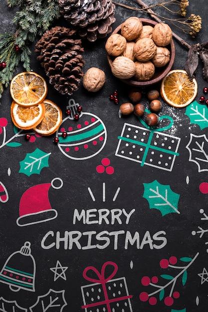 Weihnachtsplätzchen und krone auf tabelle Kostenlosen PSD