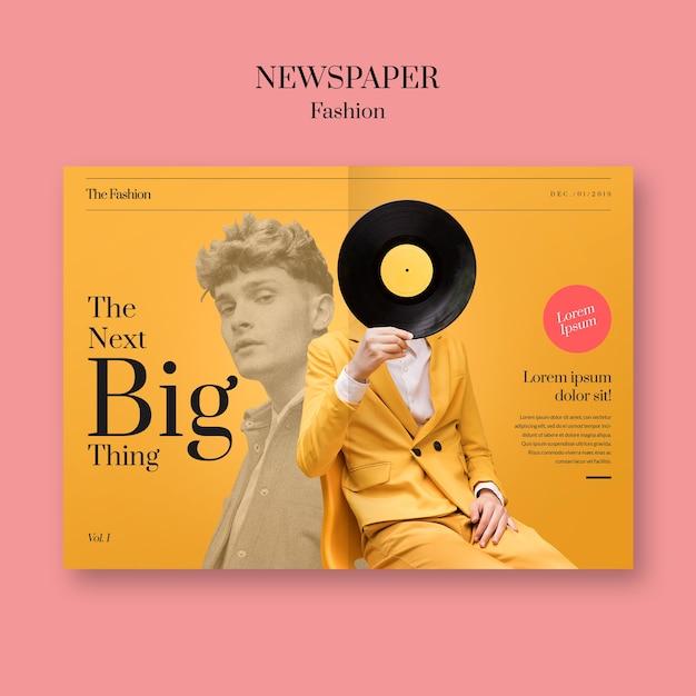 Zeitungsmodemann, der sein gesicht mit vinylaufzeichnung bedeckt Kostenlosen PSD