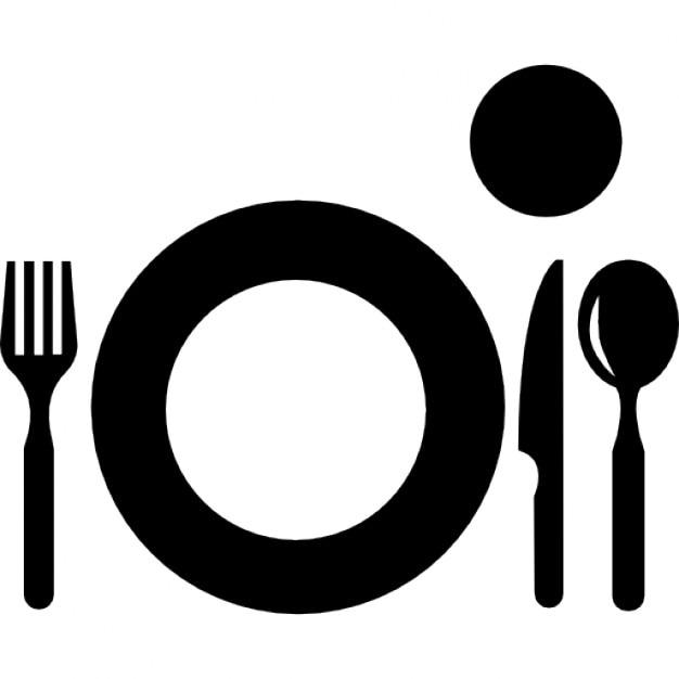 Assiette avec couverts et verre en vue de dessus Table vue de haut