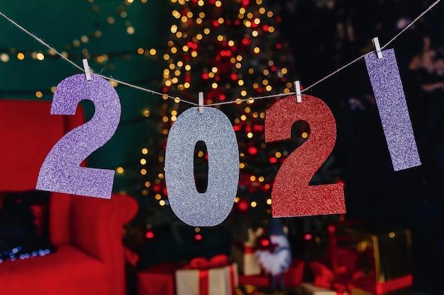 2021 numéros fête de nouvel an, arbre de noël Photo Premium