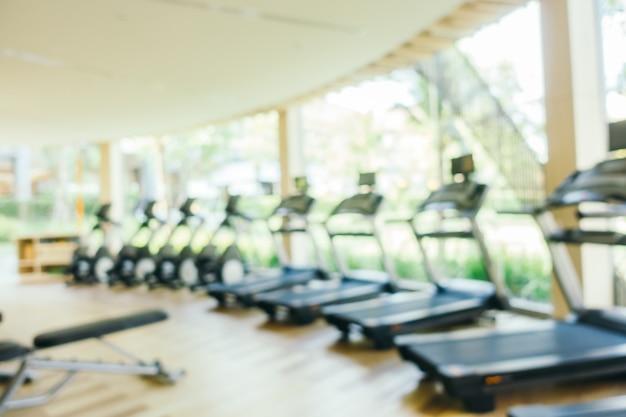 Abstrait flou et matériel de fitness défocalisé et salle de gym Photo gratuit