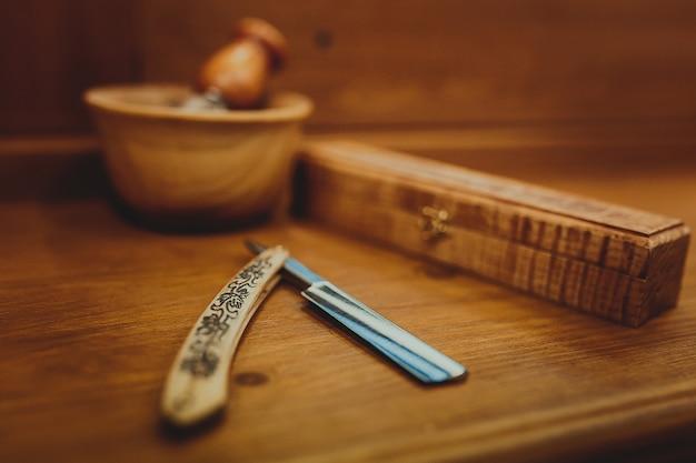 Accessoires de rasage sur un luxe Photo Premium