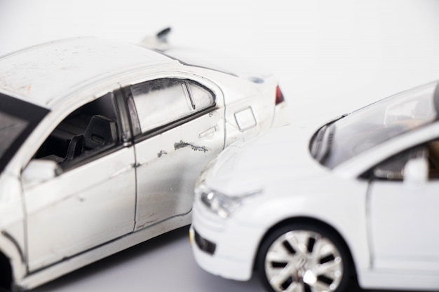 Accident de voiture jouet Photo Premium