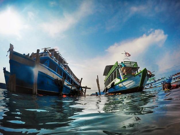 Activités de plongée en apnée yacht sea ocean Photo gratuit