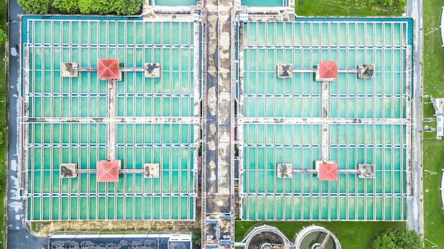 Aérien vue de dessus recirculation solide contact clarificateur sédimentateur Photo Premium