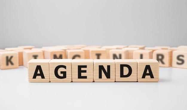Agenda Word Fait Avec Des Blocs De Construction En Bois Photo Premium