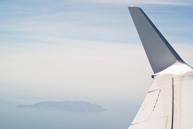 Aile de l'avion Photo Premium