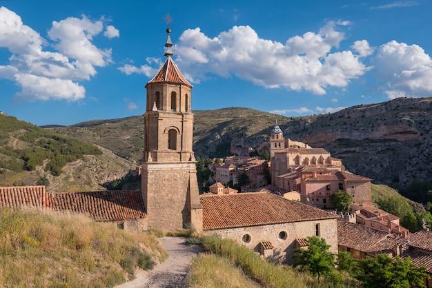 Albarracin, village médiéval à teruel, en espagne. Photo Premium