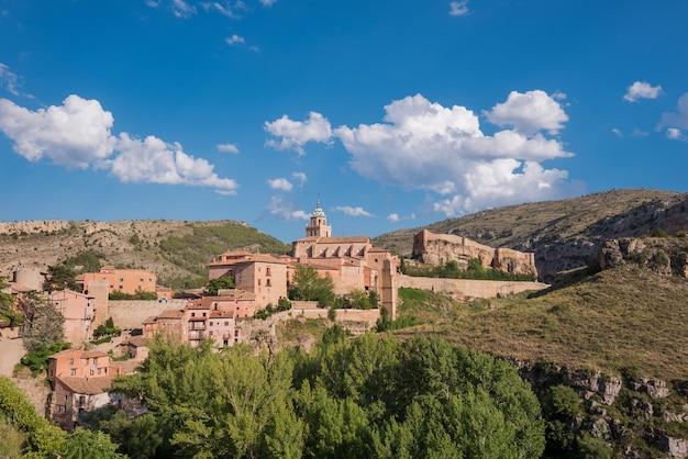 Albarracin, village médiéval de teruel, en espagne. Photo Premium