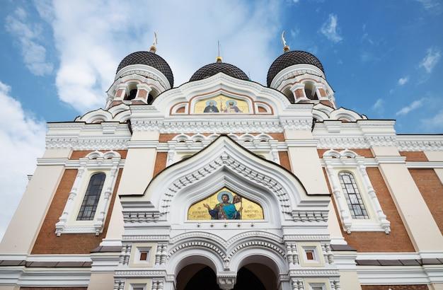 Alexander nevsky cathédrale dans la ville médiévale de tallinn, estonie. Photo Premium