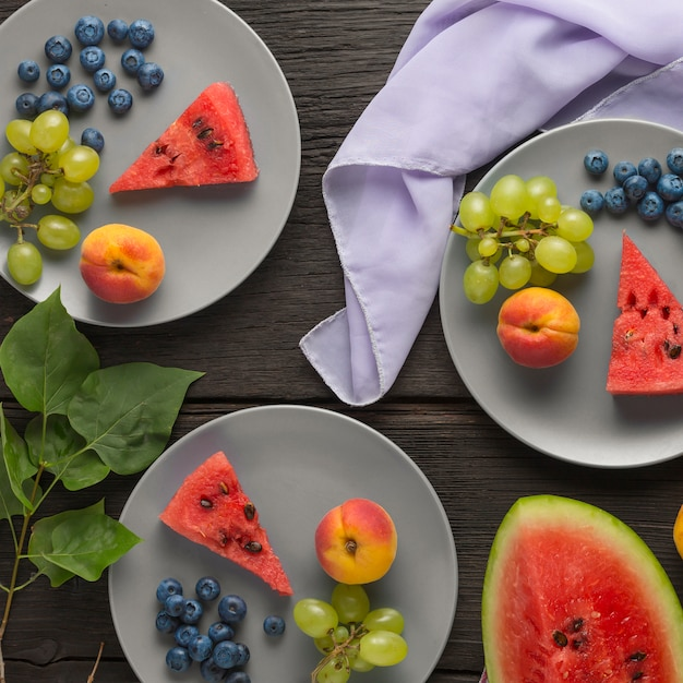 Alimentation Saine Fruits Frais, Baies Et Dessert Au Fromage Cottage Photo Premium