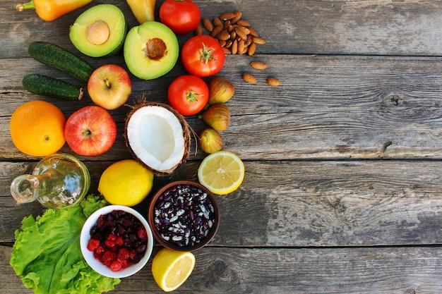 Alimentation saine d'origine végétale. concept de bonne nutrition. Photo Premium