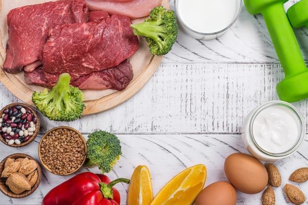 Aliments pour la construction des muscles Photo Premium