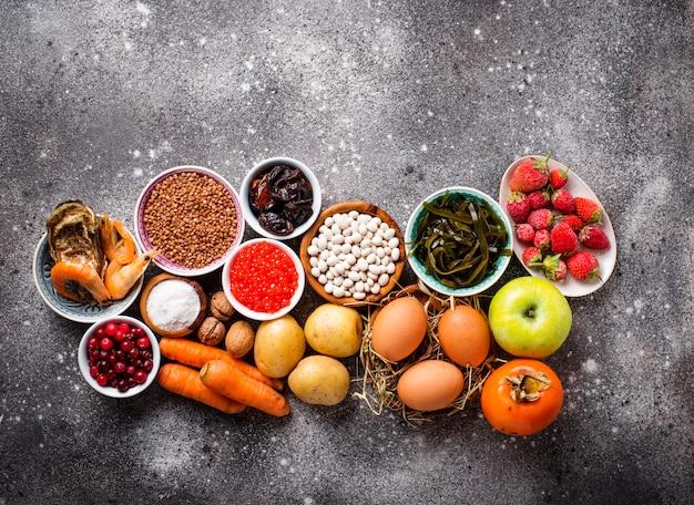 Aliments sains contenant de l'iode Photo Premium