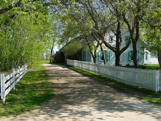 Allée manitoba steinbach mennonite heritage village Photo gratuit