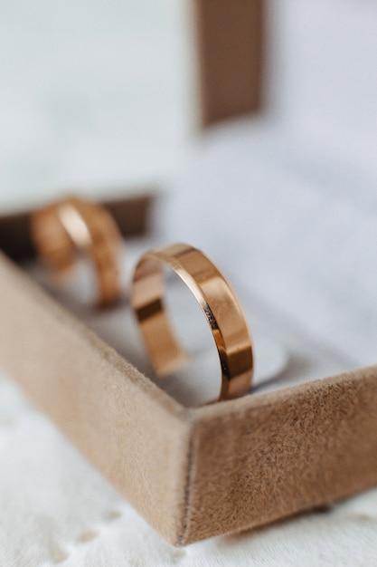 Alliances, célébrations de mariage et accessoires et décorations Photo Premium