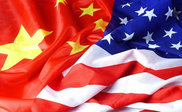 Amérique - Concept D'interaction Chine Avec Deux Drapeaux Nationaux Photo Premium