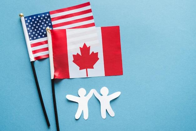 Amitié des peuples de différents pays Photo gratuit