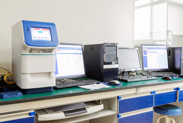 Analyseur d'électrolyte Photo Premium