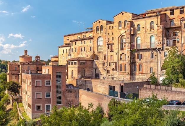 Ancien Immeuble D'habitation Médiéval Typique à Florence, En Italie, Photo Premium