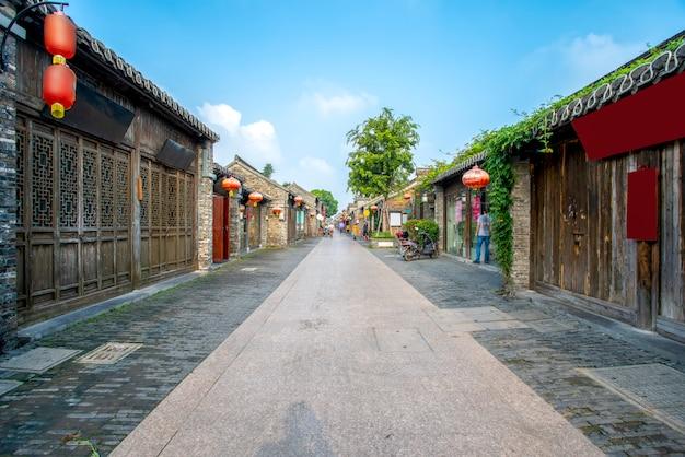 Ancienne rue de la ville de yangzhou, chine Photo Premium