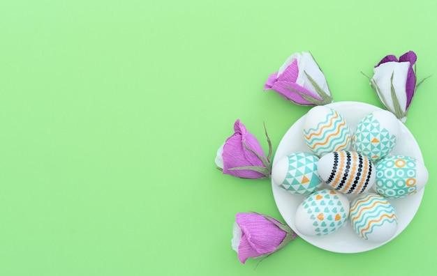 Ange Blanc Et Feuille Vierge Avec Cadre Coeurs Roses Sur Bleu Photo Premium