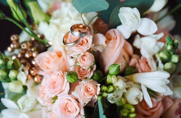 Anneaux de mariage Photo Premium