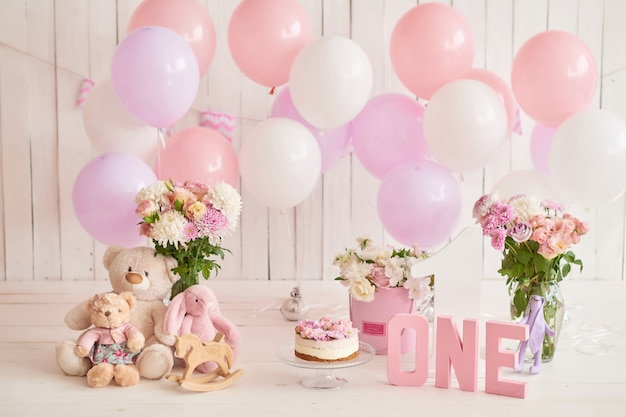 Anniversaire 1 année cake smash decor Photo Premium