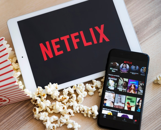 Appareil Moderne Avec Application Netflix Photo Premium
