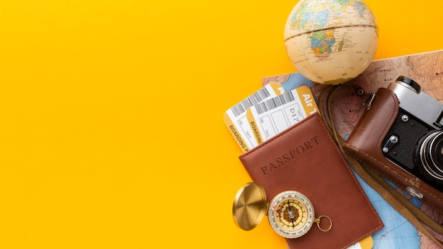 Appareil Photo à Plat Et Arrangement De Passeport Photo gratuit