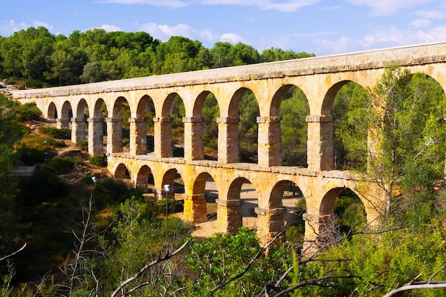 Aqueduc De Les Ferreres à Tarragone Photo gratuit