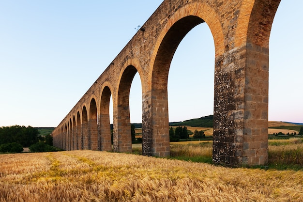 Aqueduc Romain De Navarre Photo gratuit