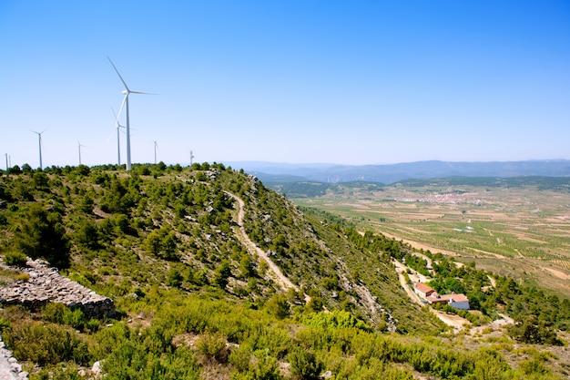 Aras de los olmos valley avec des winmills Photo Premium