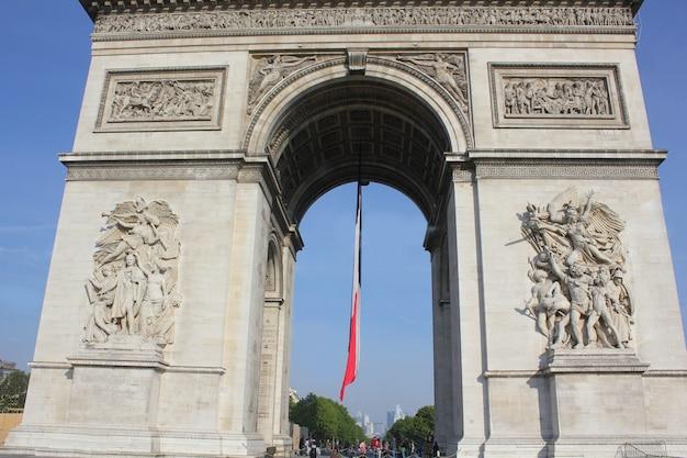 L'arc de la victoire à paris, en france Photo Premium