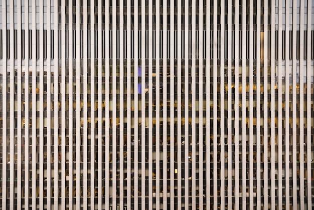 Architecture Moderne De Manhattan. Manhattan Est Le Plus Densément Peuplé Des Cinq Arrondissements De New York. Photo Premium