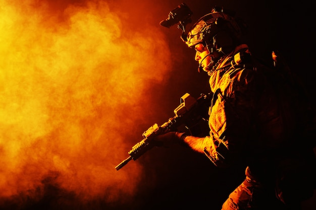 Army ranger in field uniforms Photo Premium