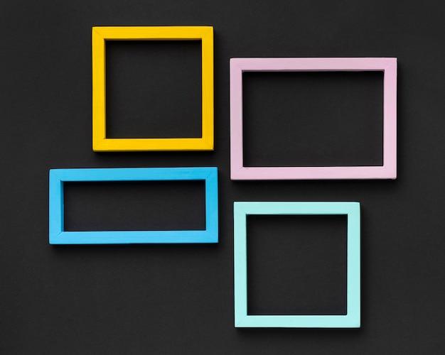 Arrangement De Cadres Colorés à Plat Photo gratuit