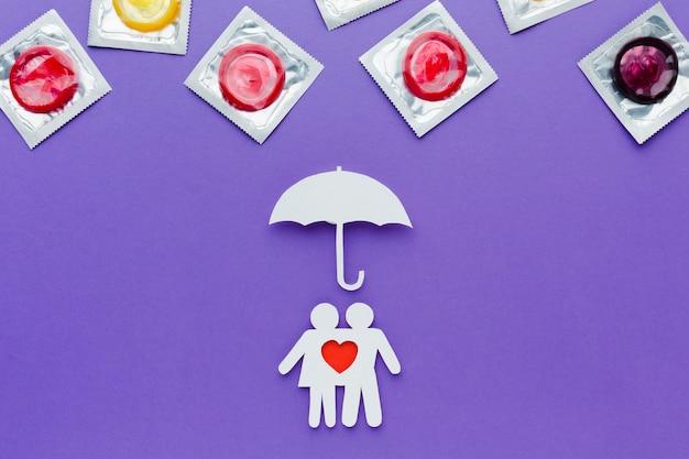 Arrangement Du Concept De Contraception Sur Fond Violet Photo Premium