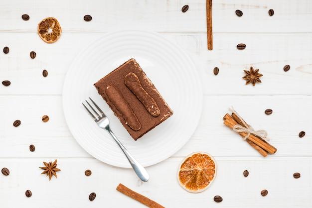 Arrangement De Gâteau Au Café Vue De Dessus Photo gratuit