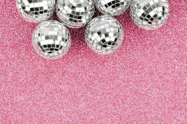 Arrangement De Globes Disco Avec Espace De Copie Photo gratuit