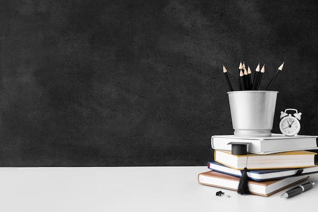 Arrangement Des Livres De La Journée Mondiale Des Enseignants Photo gratuit