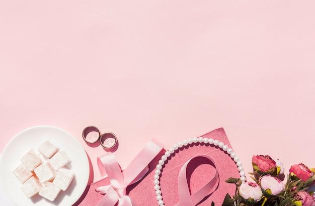Arrangement De Mariage Rose Vue De Dessus Avec Espace De Copie Photo gratuit