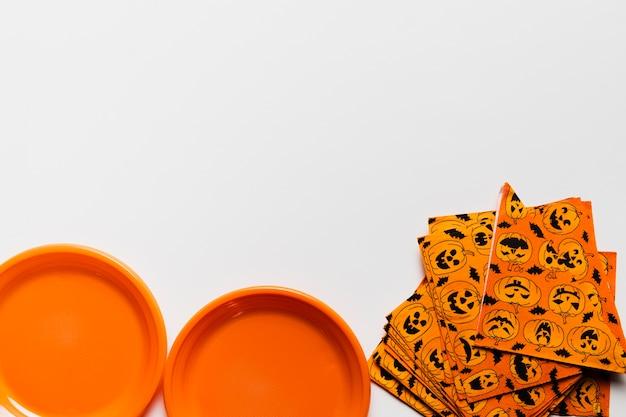 Arrangement plat avec des éléments d'halloween Photo gratuit