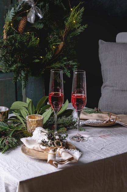 Arrangement de table de noël ou de nouvel an Photo Premium