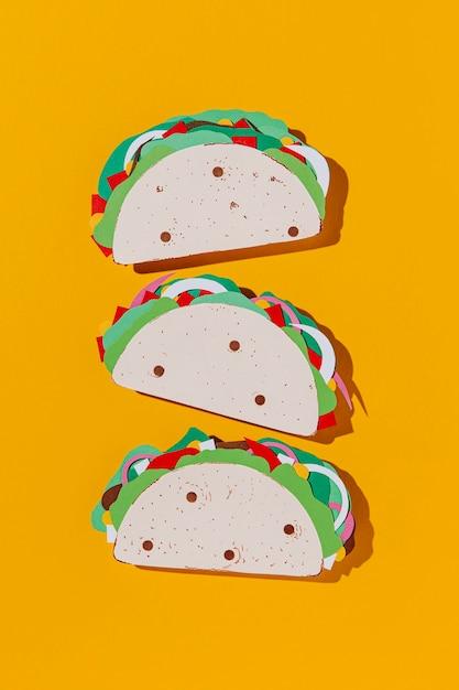 Arrangement De Tacos En Papier Vue De Dessus Photo gratuit
