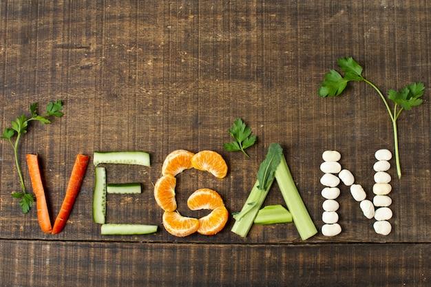 Arrangement végétalien vue de dessus Photo gratuit